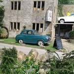 Vintage cars at Haselbury Mill