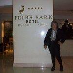 Chegando ao hotel: a matriarca da família :)
