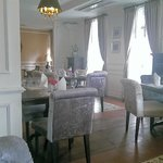 I was in love with the dining room!!