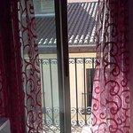 Ventana con balcon