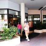 ホテル アポジア ニース ・・・到着玄関入り口付近