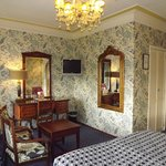 Hotel Estherea bedroom