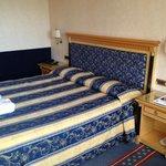 Das Doppelbett in unserem Deluxe-Zimmer