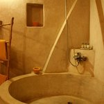 The bathroom of the Sahara Suite