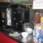 café, thé, cacao, jus, céréales, yaourt, compotes, fruits frais....