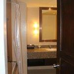 Ванная комната в номере 2 Bedroom Premium Suite at Tropicale