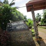 La entrada al hotel tipica de ellos y muy linda