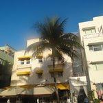 Casa hotel building