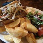 A lunchtime sirloin steak 'sandwich' served on french bread