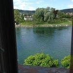 Zimmeraussicht auf den Rhein