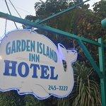 GARDEN ISLAND INN HOTEL SIGN