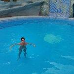 bañito en la piscina