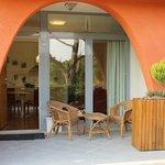 entrata+patio miniappartamento (suite )