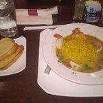 Drunken Shrimp with Rice and Garlic Bread