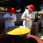 el ida del arroz en la plaza del kiosco
