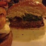 Burger niestety suchy!