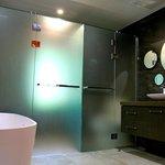 Rimu Chalet Bathroom