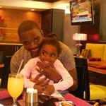Restaurant avec mon mari et notre fille