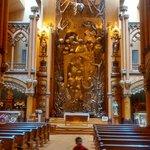 Altar da Capela. Escultura toda em bronze.