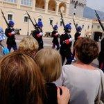 大公宮殿・・・衛兵の交代式行進