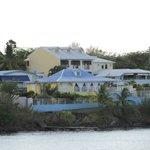 vue sur l'hôtel (côté plage)