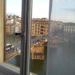 Janela do quarto - Vista Rio Arno e  Ponte Santa Trinita