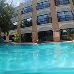Der Pool im Innenhof ist super erfrischend