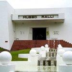 Museo Ralli, vista do acesso principal