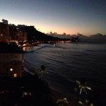 (ホテルのベランダから) 明け方の景色も最高です。
