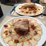 Carapaccio de lomos ibérique avec tartare de tomates et steak d'espadon grillé!!!!!
