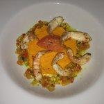 Entrée : Langoustine / purée carotte / légumes