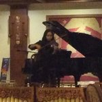 good singer n violinist performance