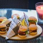 Afterwork con degustación de mini hamburguesas