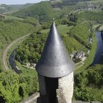 Вид на отель с башни замка