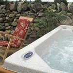 Beudy Mawr hot tub
