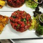 Tartare de boeuf et frites de polenta