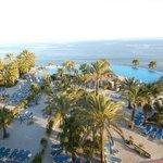 vista piscina y playa
