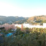 vista hotel zona piscina lago