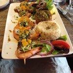 Brochette de crevettes et maigre