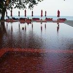 La magnifique piscine rouge