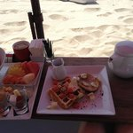 Petit dejeuner sur la plage, un délice !