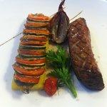 magret de canard sauce aux cepes, polenta et petits légumes