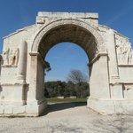 arco  Les Antiques