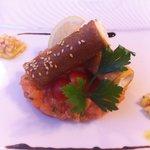 tartare de saumon et son croustillant de caillé de chèvre