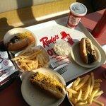 Foto de Rudy's Hot Dogs