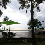 Nantra De Deluxe - Krabi Town - Indonesia - Wandervibes - pool and beach view