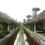 Nantra De Deluxe - Krabi Town - Indonesia - Wandervibes - two rows of rooms towards the beach