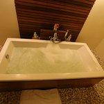 Nantra De Deluxe - Krabi Town - Indonesia - Wandervibes - bathtub parties, baby