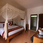 Rama Shinta Hotel - Padang Bai - Bali - Indonesia - Wandervibes - bedroom