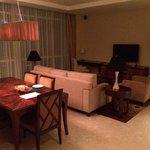 Apartment 2 Bedroom Deluxe - Living